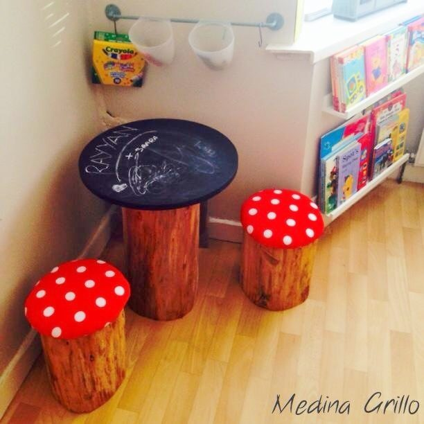 DIY Tree Trunk and Toadstools Table (3)