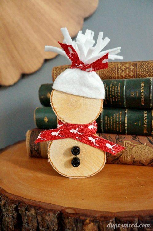 DIY Wood Slice Snowman DIY Inspired