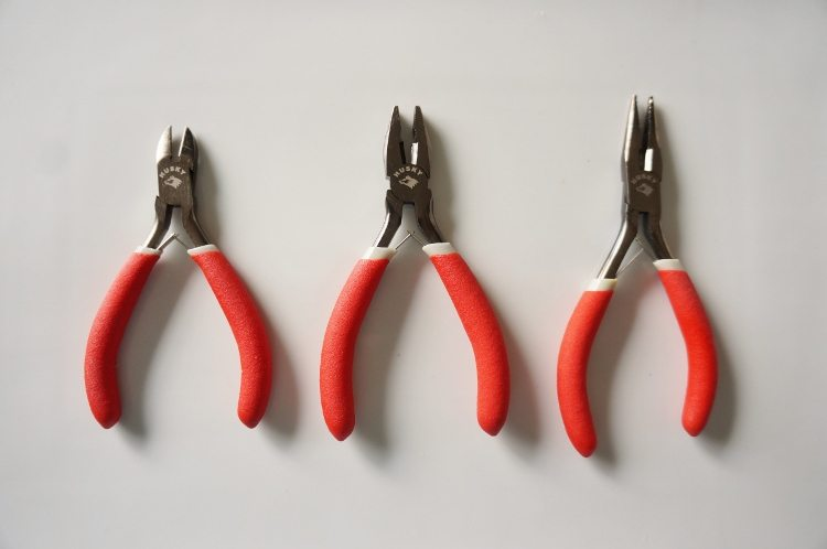 Holiday Gifts for the DIYer in Your Life Pliers