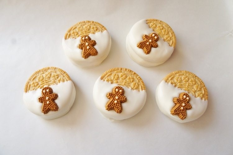 Gingerbread Oreo Cookies (4)