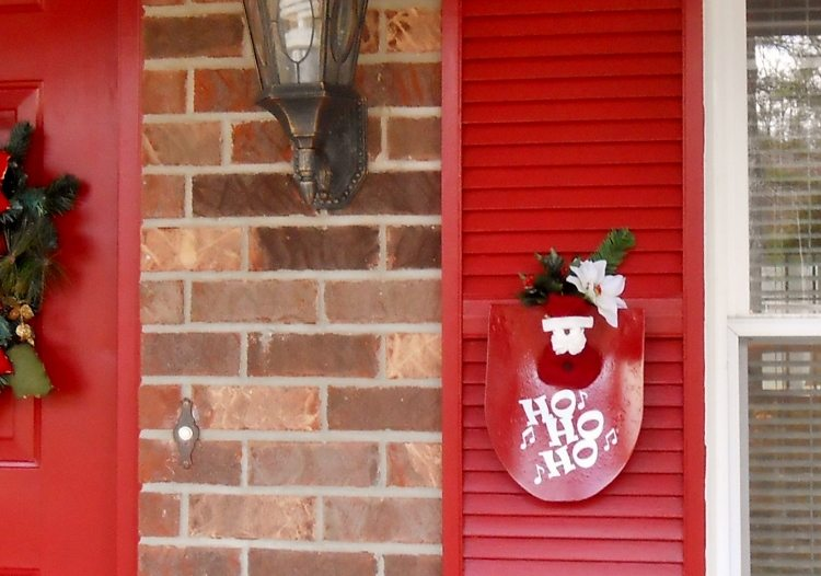 Repurposed Shovel Turned Santa Decor