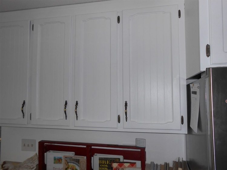 DIY Kitchen Cabinet Makeover  (7)