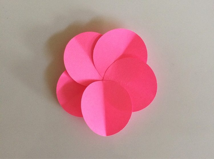 Easy Paper Flowers with Circles