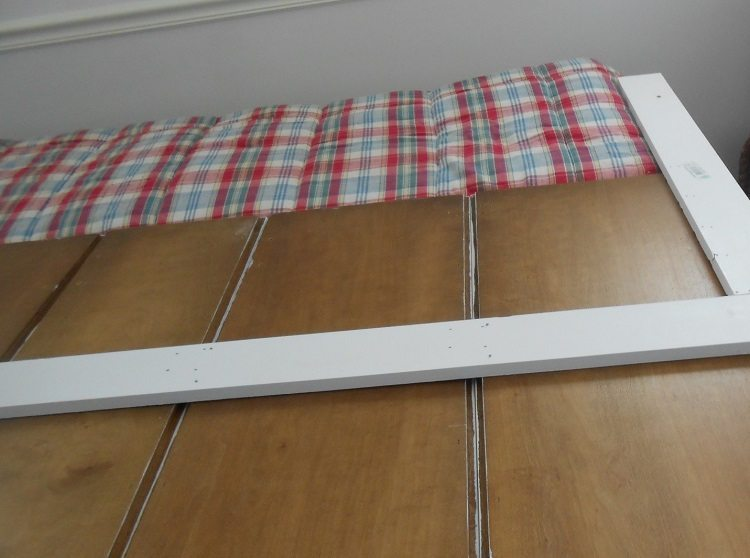 Upccled Kitchen Doors to DIY Headboard