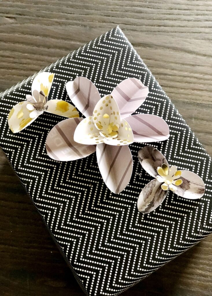 Black White Gold Gift Wrapping
