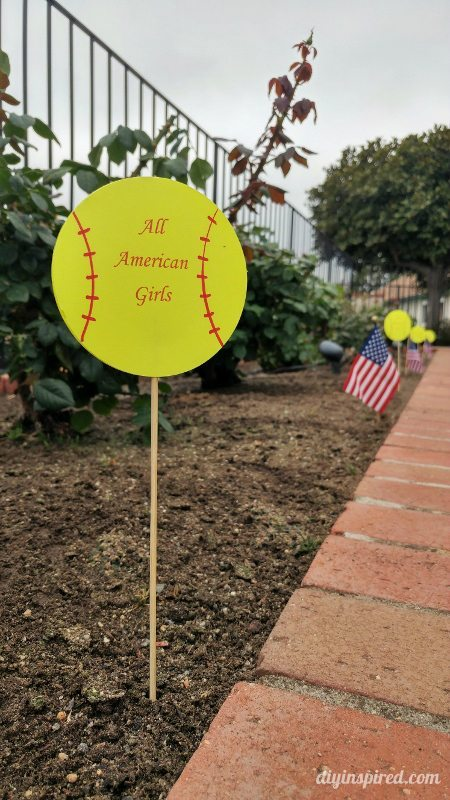 Easy Softball Party Decorations
