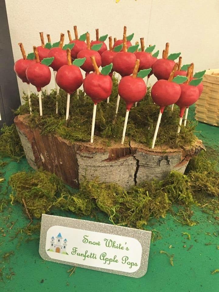 Fairytale Ball - Snow White's Apple Pops