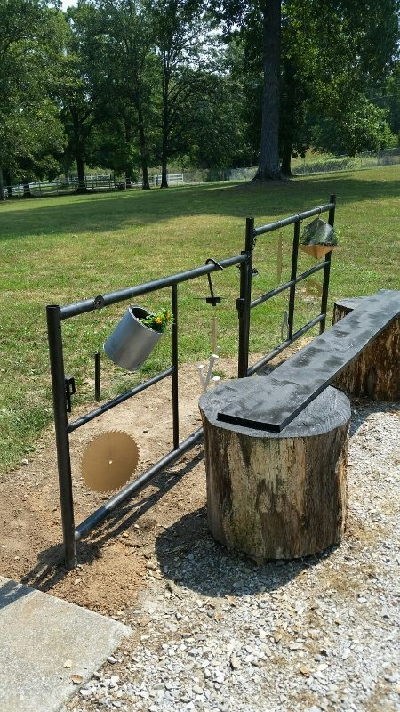 Trash to Treasure Garden - DIY Scaffolding Frame
