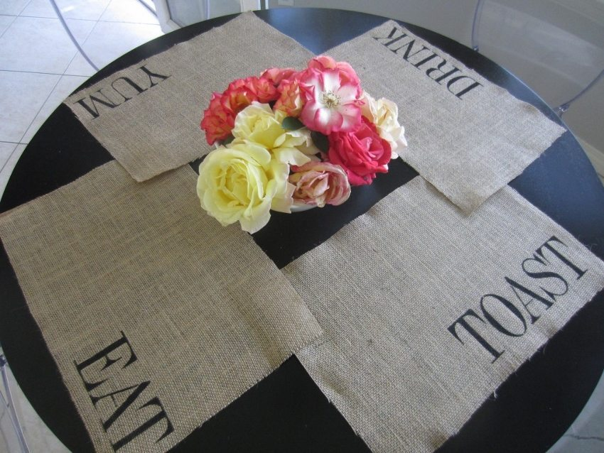 Five Cool Stenciling DIYs for your Kitchen - Burlap Placemats