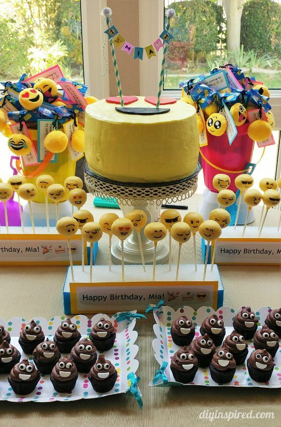 How to Make an Easy Cake Pop Stand