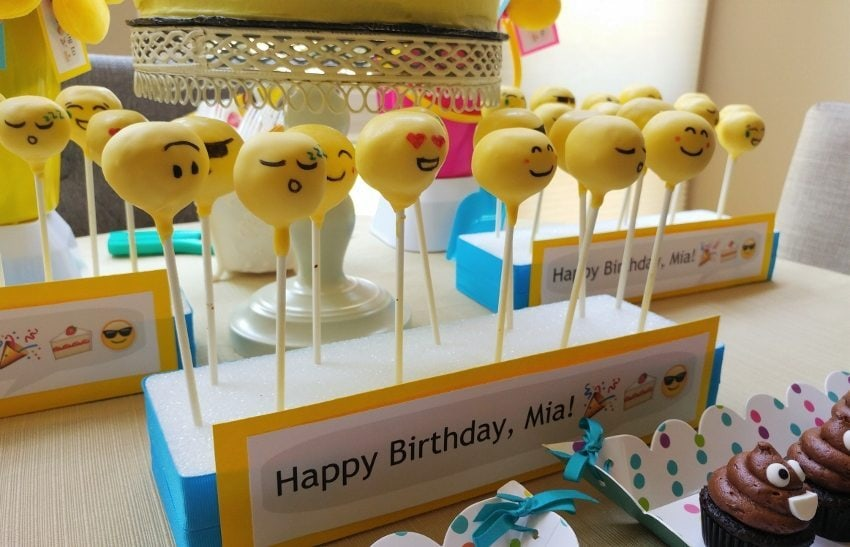 How to Make an Emoji Themed Cake Pop Stand