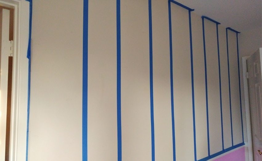 How to Measure to Paint Stripes on a Wall
