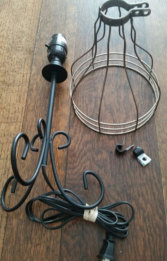 Repurposed Wire Lamp (1)