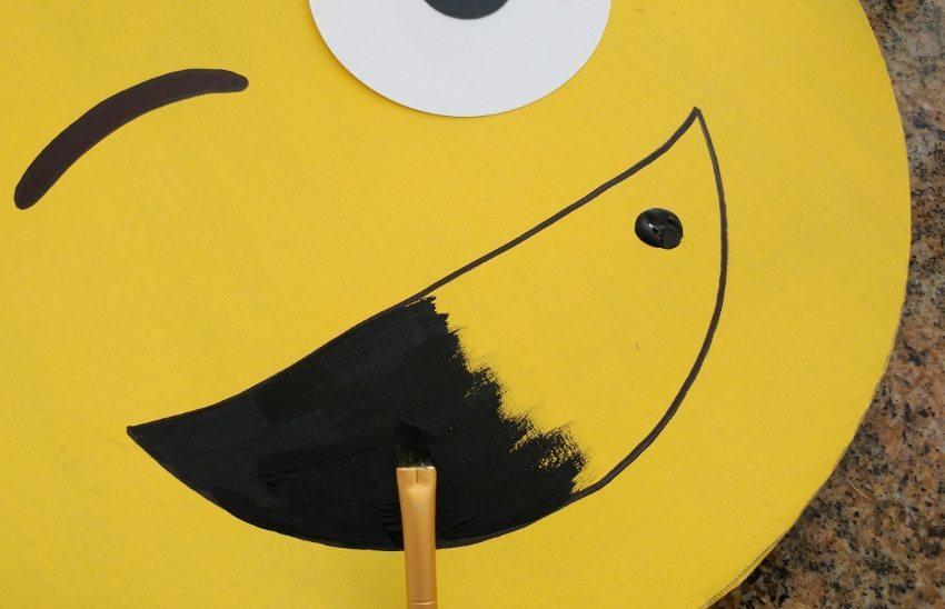 Winking Emoji DIY