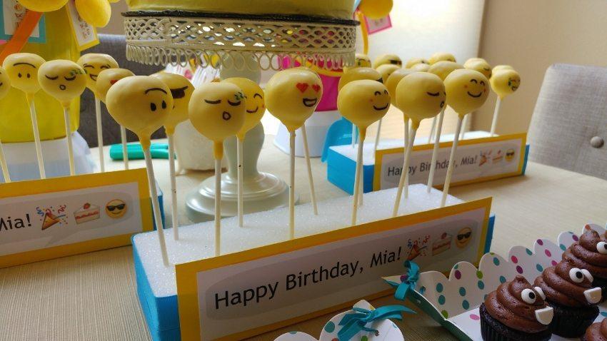 Emoji Cakepops