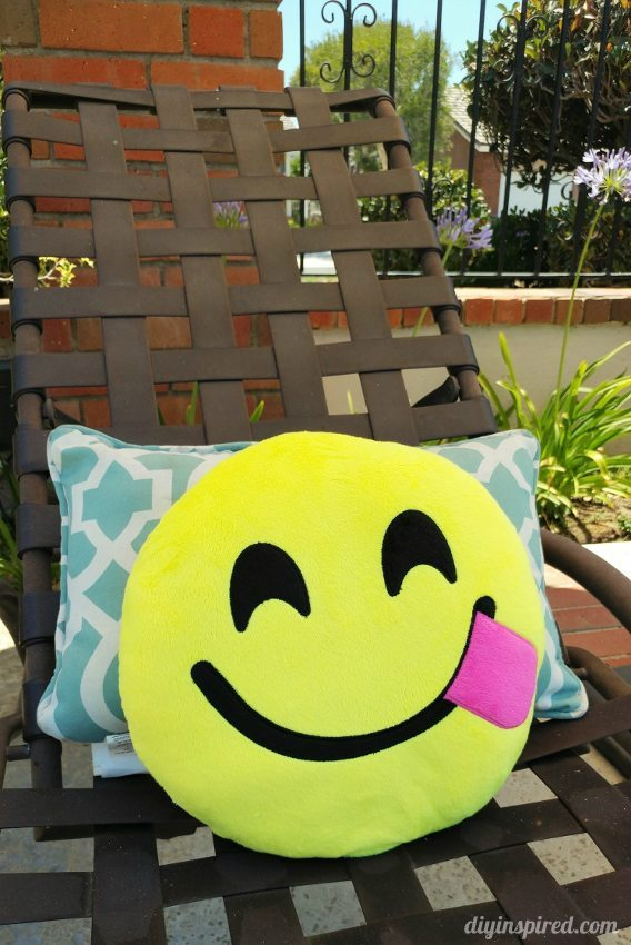 Emoji Pillows for a Party - Tongue Emoji