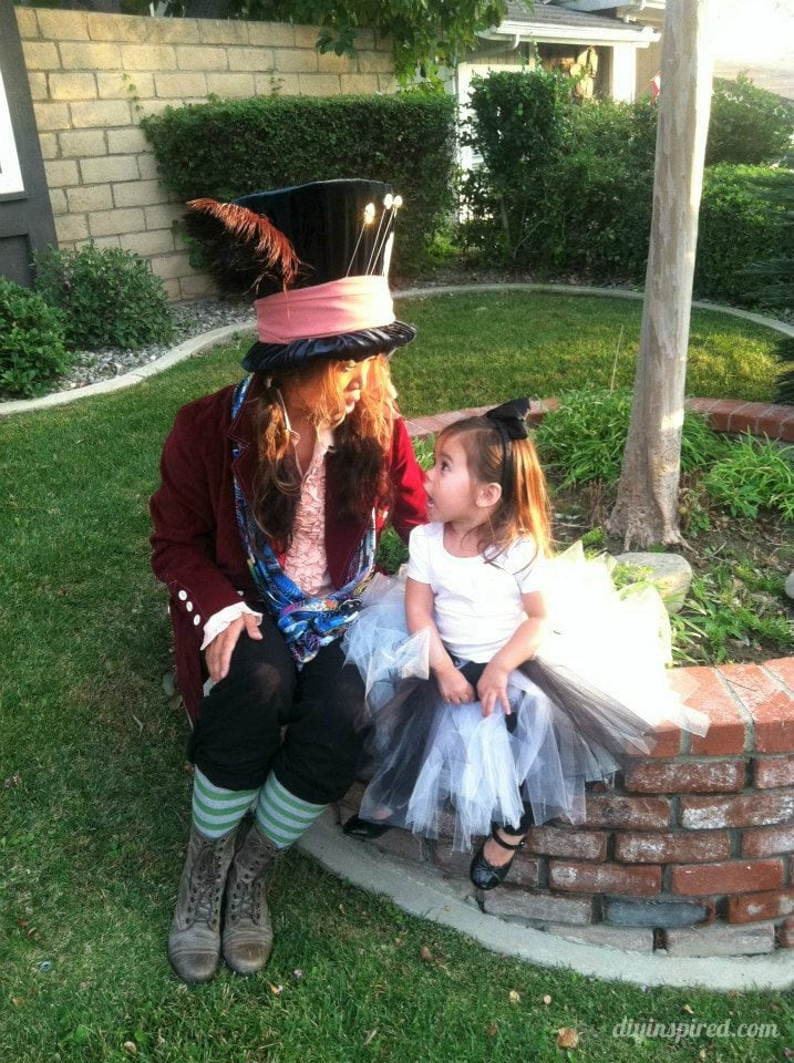 alice-in-wonderland-and-mad-hatter-costume