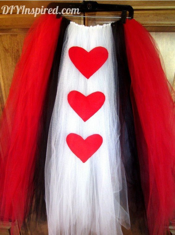 diy-queen-of-hearts-tulle-skirt-for-adults-diy-inspired