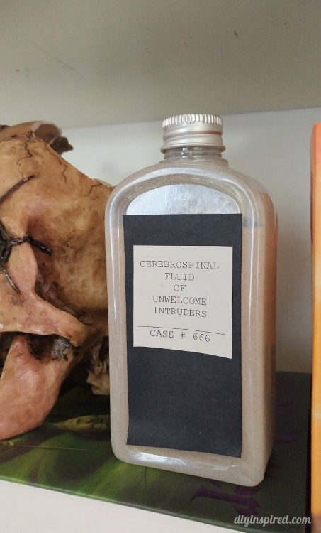 halloween-decor-diy-apothecary