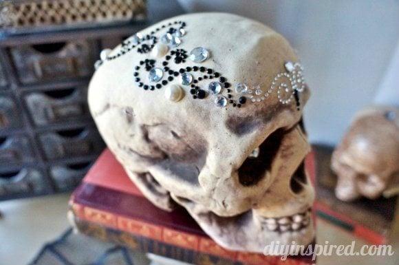 inexpensive-halloween-crafts-halloween-glam-skulls