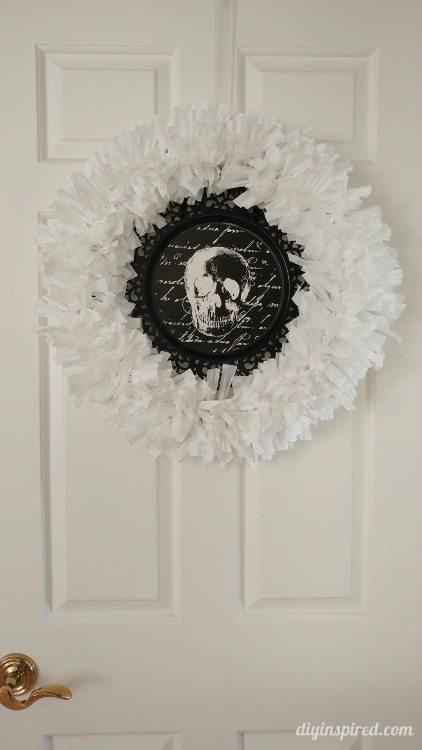 recycled-plastic-trash-bag-wreath-diy-inspired