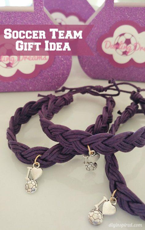 soccer-friendship-bracelets-team-gift-idea-diy-inspired