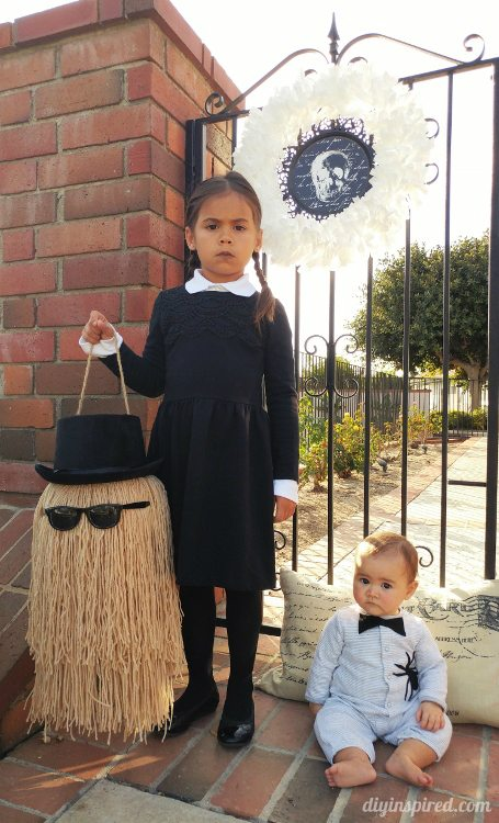 wednesday-addams-and-pubert-halloween-costumes