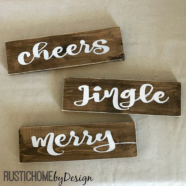 farmhouse-christmas-word-signs