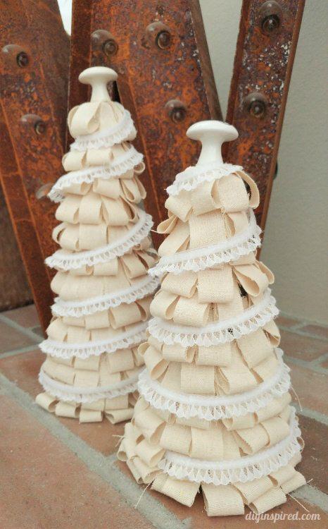 repurposed-canvas-christmas-trees-diy-inspired