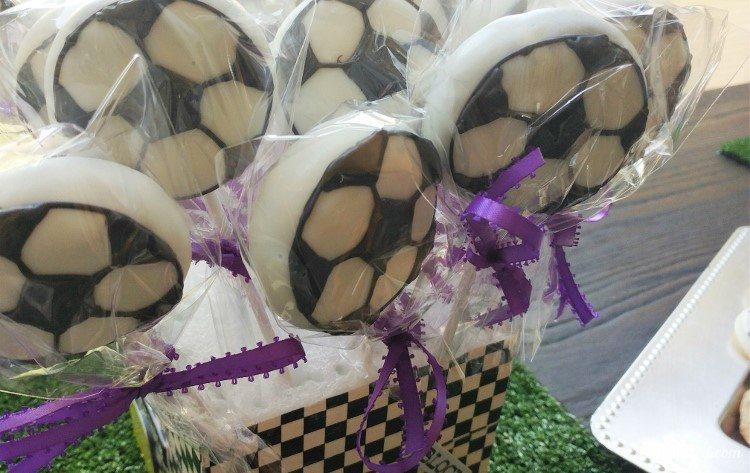 soccer-party-cakepops