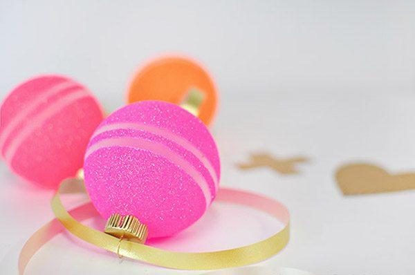 valentine-glitter-ornaments