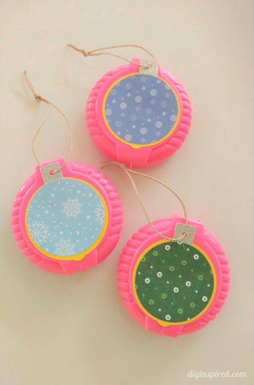 bubble-tape-christmas-ornament-party-favor