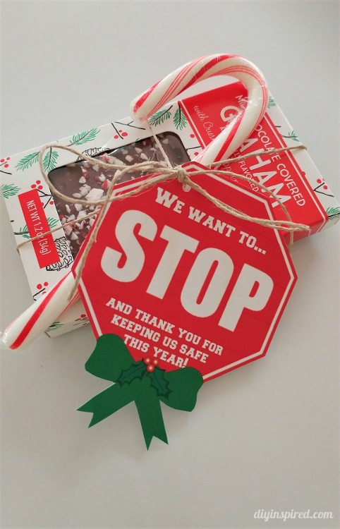 crossing-guard-christmas-gift-tags-printable-diy-inspired