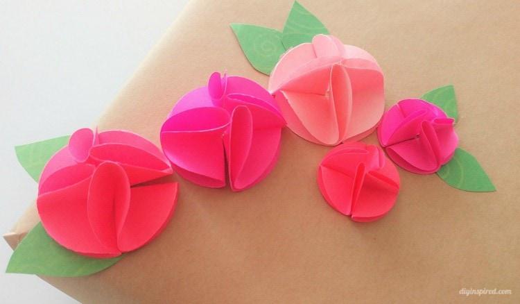 Flores de papel perfurado de círculo fácil