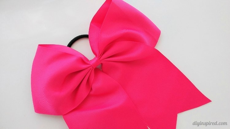 DIY Accessories: How to Make Sports Hair Bows for less than $2.00 Each