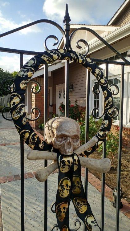 Halloween Glam Wreath e1507523200714