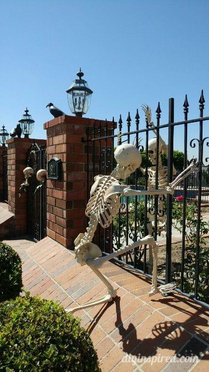Halloween Skeleton Decoration Ideas e1507523186574