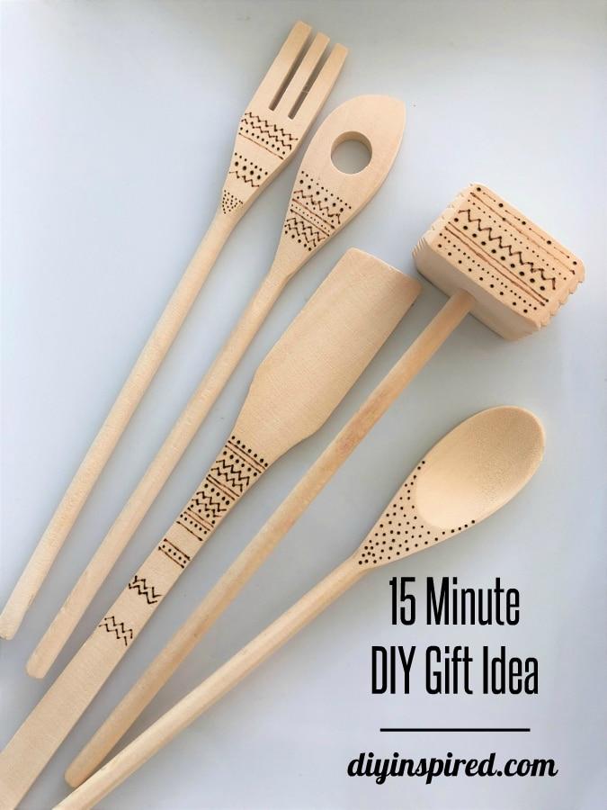 15 Minute DIY Gift Idea: Wood Burned Wooden Utensils