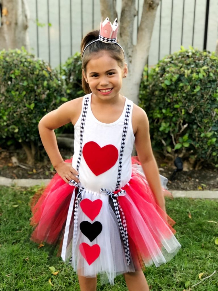 DIY Queen of Hearts Tutu and Crown