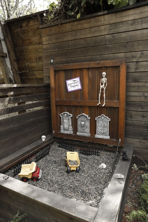 Rock Box Grave Digging - Halloween Party Game
