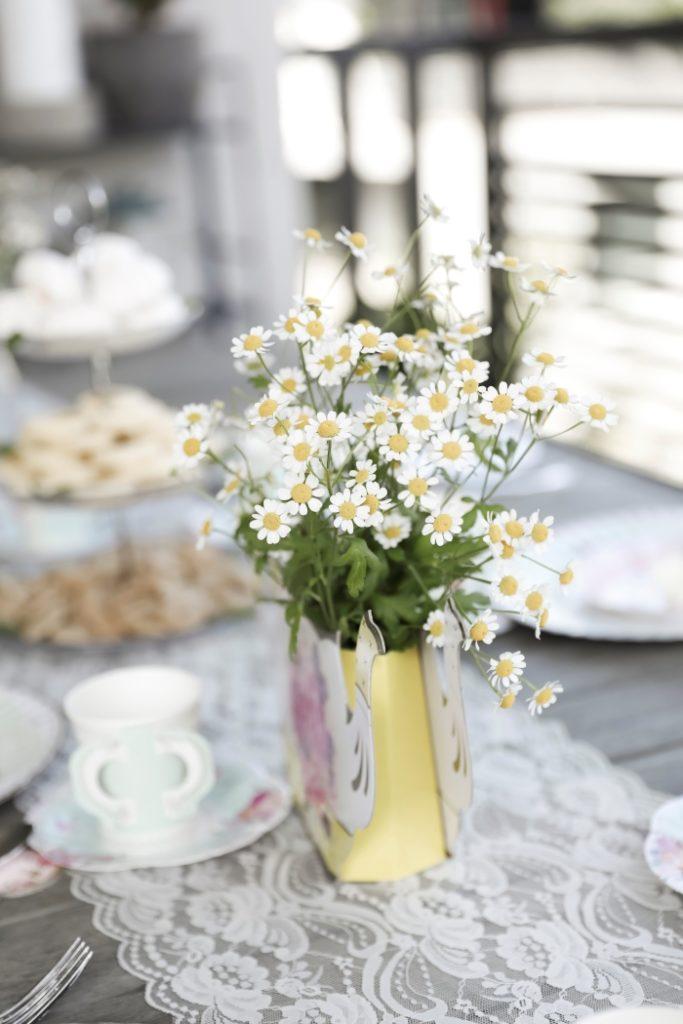 Daisy Centerpieces for a Tea Party