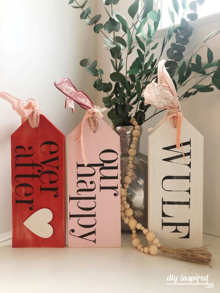 Wood Valentine Decor DIY Idea
