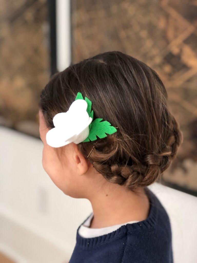 Easy Felt Flower Hair Accessory