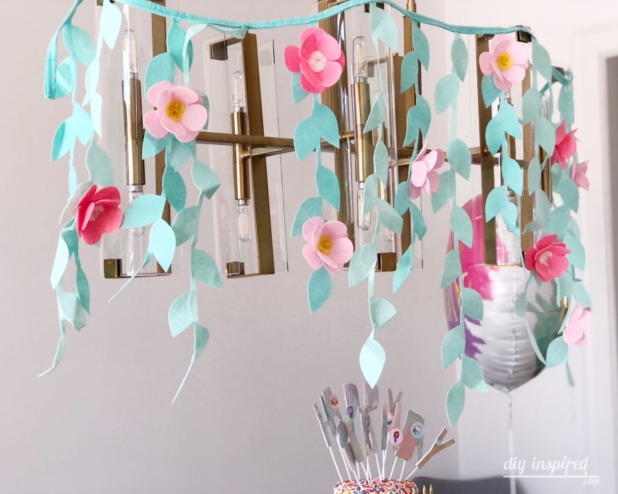 Felt Flower Party Garland - DIY Inspired