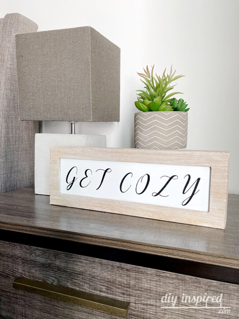 DIY Guest Bedroom Signs Decor